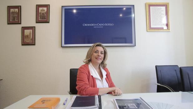 Lourdes Sivianes, en el bufete Cremades-Calvo Sotelo de Sevilla