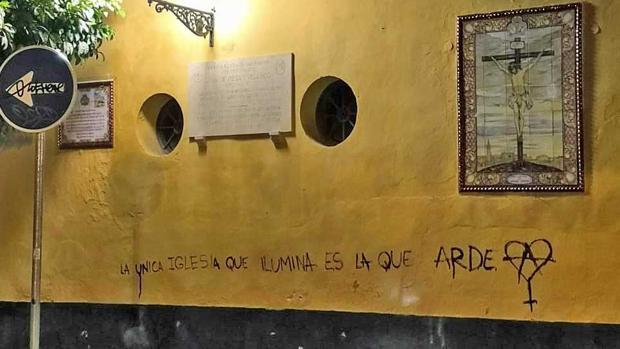 Con esta pintada con mensaje intolerante amaneció la iglesia de San Martín