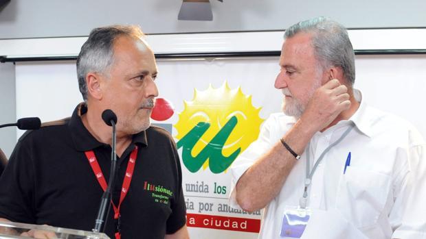 José Manuel García y Antonio Rodrigo Torrijos, cuando eran concejales del Ayuntamiento de Sevilla