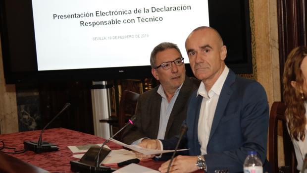 Antonio Muñoz, este martes, en la rueda de prensa Juan Flores
