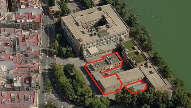 Sobre estas líneas, delimitados en rojo, inmuebles del complejo fabril que podrían demolerse para levantar nuevos edificios