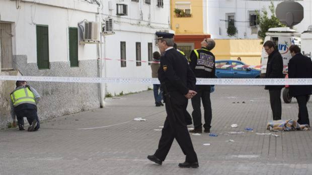 El procesado se refugió en el barrio de Los Pajaritos, donde vive su madre, tras agredir a su expareja
