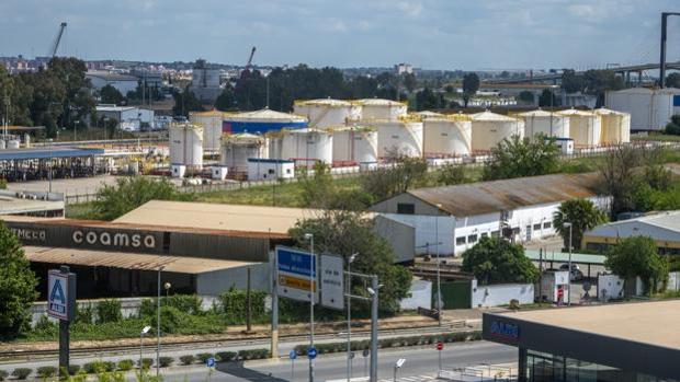 Los depósitos de CLH son el principal escollo del proyecto Sevilla Park