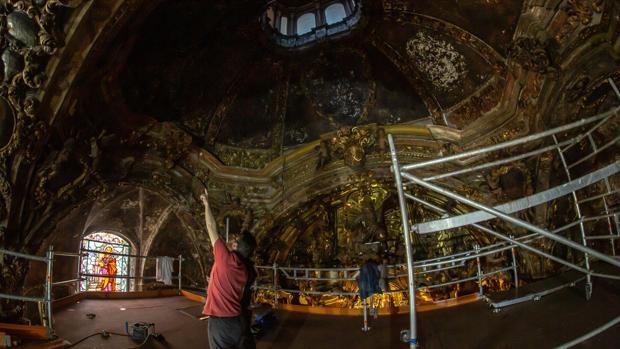 La primera fase de la restauración de la Capillita de San José ha servido para consolidar las pinturas