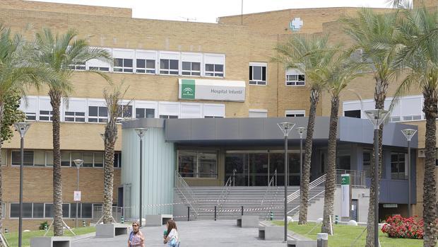 Fachada del Hospital Virgen del Rocío