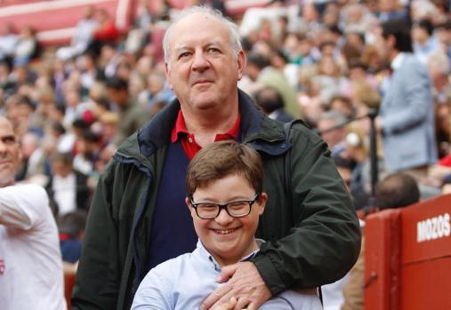 Carlos Núñez con su hijo Carlos