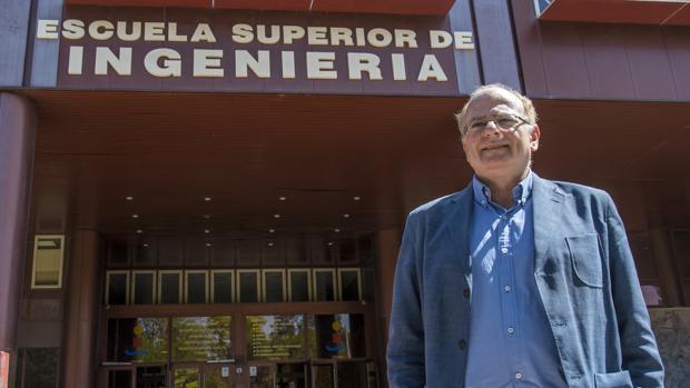 Aníbal Ollero en la Escuela de Ingenieros de Sevilla