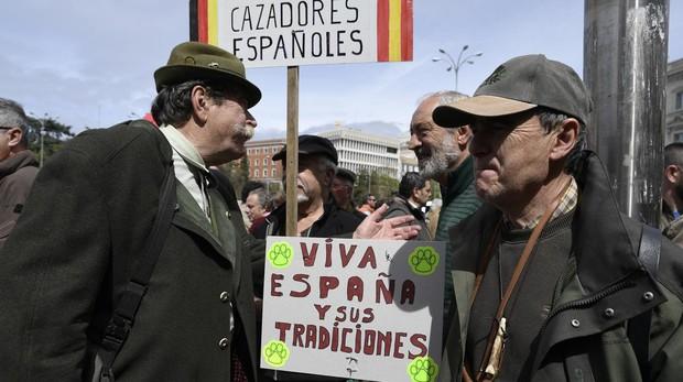 El mundo del toro y de la caza se subleva ante el alegato de la ministra Teresa Ribera para prohibirlos