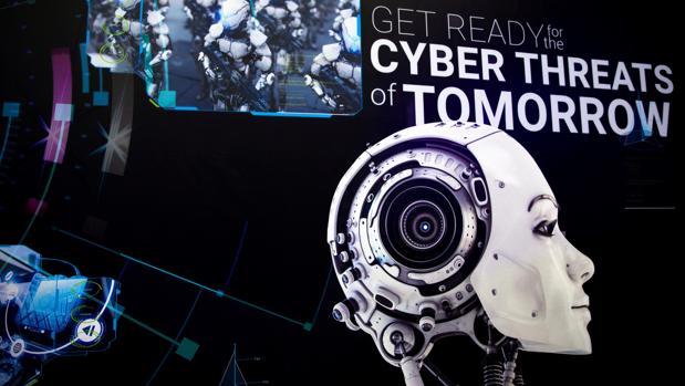 Imagen de un cartel de la exposición de Cybertech 2018, evento en el que se presentan las últimas tecnologías del sector