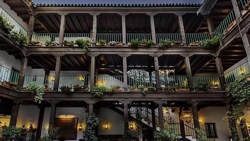 Los Mejores Hoteles De Sevilla Para Una Escapada Romántica De Nochevieja