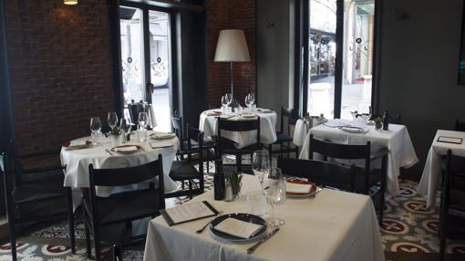 Zona de restaurante de La Máquina de Jorge Juan, nuevo en la lista