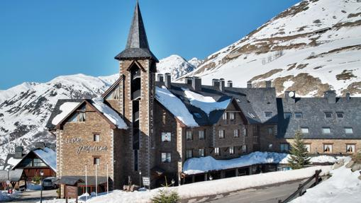 Diez de los mejores hoteles para esquiar en España y Andorra
