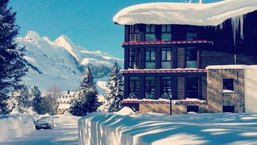 El espectacular entorno del hotel Candanchú, un clásico del Pirineo