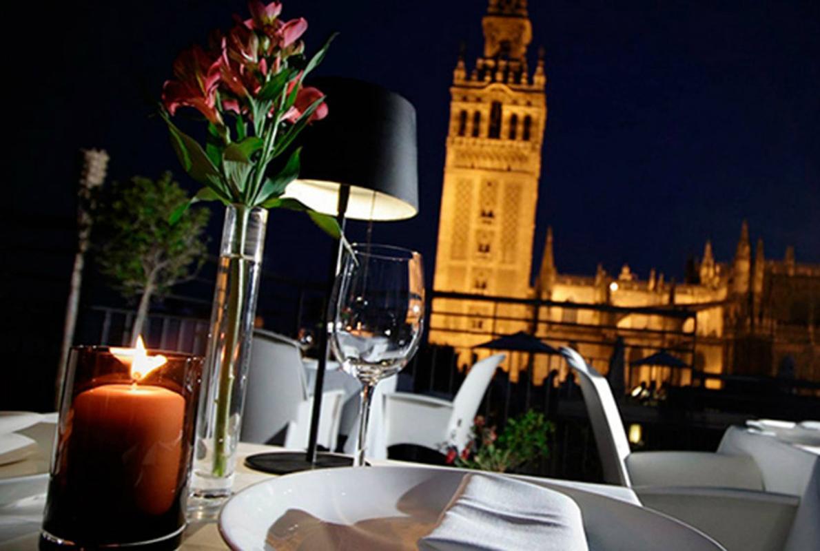 Los Restaurantes Más Románticos De Sevilla Para Una Cena De