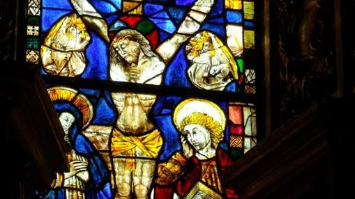 Detalle de una de las vidrieras de la iglesia de Grijalba