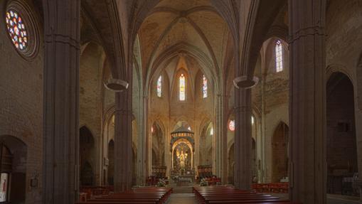 Nave central de la iglesia de Santa María, en Cervera