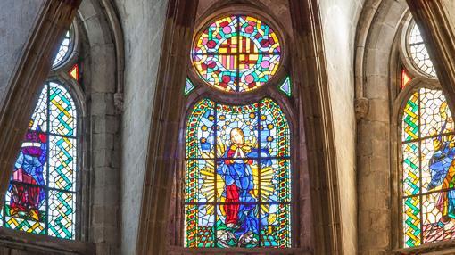 Detalles de algunas de las vidrieras de Santa María del Mar