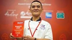 Chan, con la guía Michelin
