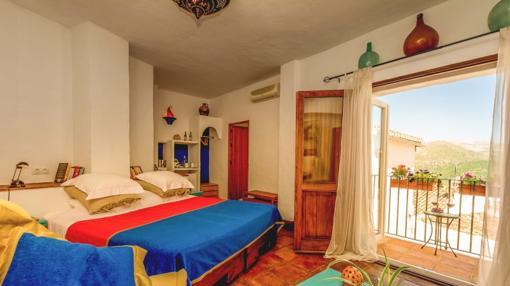 Todas las habitaciones disponen de balcón privado. Fuente: loscastanos.com