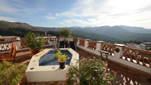 Vistas de la serranía desde la azotea del Hotel Los Castaños. Fuente: loscastanos.com