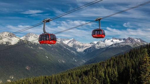 Las cabinas del Peak 2 Peak Gondola, en verano