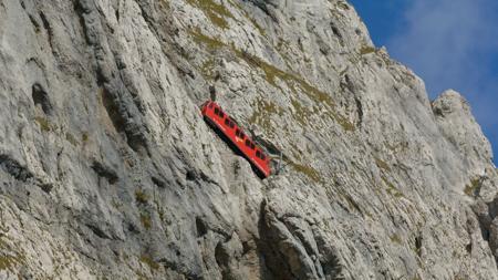 El espectacular recorrido del tren cremallera hacia el Pilatus