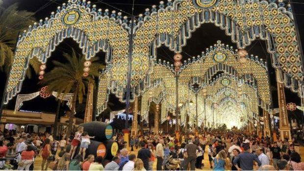 Una de las calles de la Feria del Caballo de Jerez