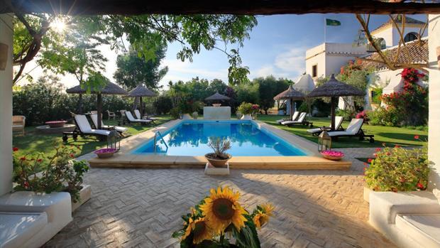 Piscina y jardín de la Hacienda San Rafael. Fuente: haciendasanrafael.com