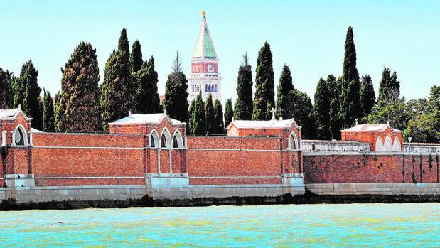 Vista monumental del cementerio de San Michele