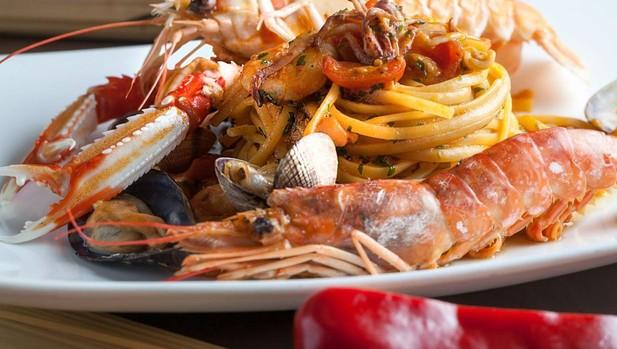 Linguine Garofalo ai frutti di mare, en Trattoria Manzoni